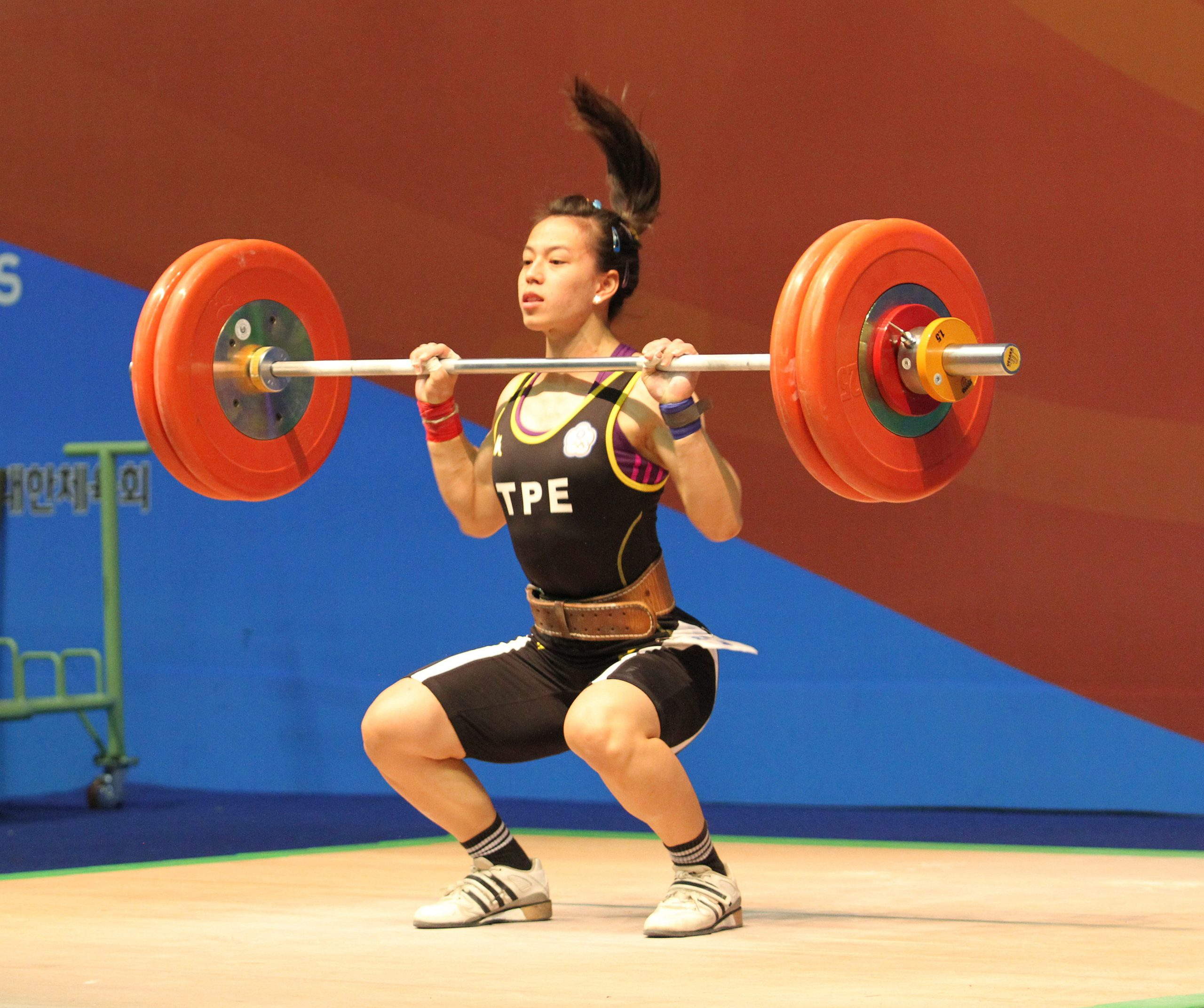 high speed descent under the barbell